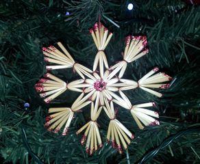 Strohsterne #1 - Strohstern, Stroh, basteln, Weihnachtsbastelei, Dekoration, Weihnachtsdekoration, Weihnachtsschmuck, Weihnachtsbaum, Fensterschmuck, Symmetrie, symmetrisch