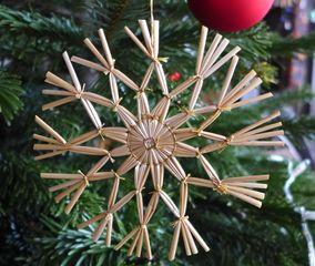 Strohsterne #6 - Strohstern, Stroh, basteln, Weihnachtsbastelei, Dekoration, Weihnachtsdekoration, Weihnachtsschmuck, Weihnachtsbaum, Fensterschmuck, Symmetrie, symmetrisch