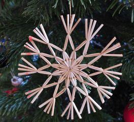 Strohsterne #7 - Strohstern, Stroh, basteln, Weihnachtsbastelei, Dekoration, Weihnachtsdekoration, Weihnachtsschmuck, Weihnachtsbaum, Fensterschmuck, Symmetrie, symmetrisch