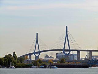 Hamburg Köhlbrandbrücke - Hamburg, Brücke, Köhlbrandbrücke, Elbe, Hansestadt, deutsche Stadt, Hafen, Schrägseilbrücke