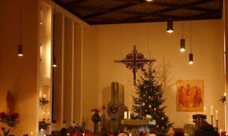 Weihnachtlicher Kirchenraum - Weihnachten, Kirche, Christmette