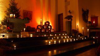 Lichtgottesdienst - Gottedienst, Licht, Kerzen, Kerzenschein, Altarraum, Besinnlichkeit, Meditation