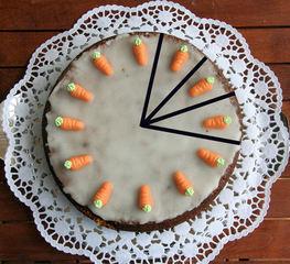 Torte teilen #3 - Kuchen, Torte, Tortenstück, teilen, Teil, Teile, Hälfte, Viertel, Zwölftel, Bruchrechnen, rechnen, Bruchteil, Brüche, vierteln, drei, dreiviertel, vergleichen, kürzen, erweitern, Winkel