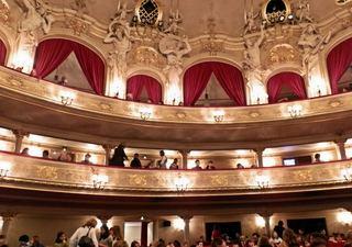 Opernbesuch - Loge, Logen, Rang, Theater, Sitze, Sitzreihe, Etage, Opernbesuch, Opernhaus, Oper, Orchester, Musik, Zuschauerraum, Kultur, Ereignis