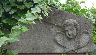 Grabstein - Grab, Grabstein, Friedhof, Tod, Totengedenken, Stein, Steinmetz, Beerdigung, Vergängnis, Meditation, Besinnung, Vergänglichkeit, Engel