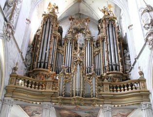 Orgel - Orgel, Kirchenorgel, Kirche, Musik, Musikinstrument, Gottesdienst, Pfeifen, Töne, Instrument, Wind, Luftstrom, Spieltisch, Empore, Organist, Register, Lieder, Konzert