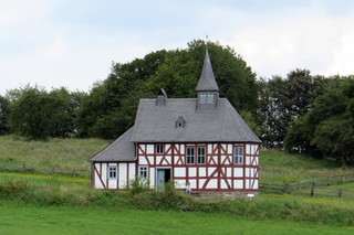 Kapellen-Schule - Kapelle, Werthenbach, Detmold, Glaube, Gebet, Andacht, Schule, Unterricht, Klassenraum, Fachwerk