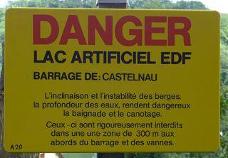 Hinweis auf Gefahr - Frankreich, französisch, civilisation, panneau, Schild, Verbotsschild, Verbot, baignade, baden, interdite, danger, canotage, berges