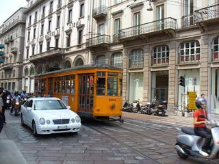 Straßenbahn in Mailand - Italien, Mailand, Verkehr, Verkehrsmittel, Straßenbahn, Nostalgie, Oldtimer, Schienen, Pflastersteine