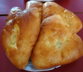 Piroggen (mit Apfel) - russische Speise, Hefegebäck, Pirogge