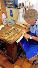 Holzschnitzer im Grödnertal #1 - Holzschnitzer, Holz, schnitzen, Werkzeug, Kunst, Handwerk, Kunsthandwerk, Arbeit, Tradition
