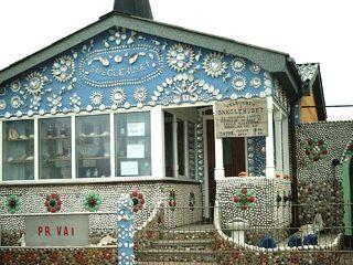 Sneglehuset #2 - Haus, Wohnhaus, Dänemark, Schnecke, Schnecken, Muscheln, Sammlung, sammeln, Eingang, Verzierung, Dänemark, Schneckenhaus, Museum, Zaun, Eingang