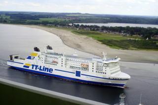 Fährschiff Nils Holgersson #1 - Schiff, Schifffahrt, Tourismus, Fähre, Kombicarrier, Transport, PKW, LKW, Transport, Überfahrt