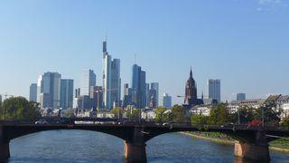 Skyline Frankfurt / Main - Skyline, Frankfurt/Main, Dom, Hochäuser, Deutsche Bank, Geldinstitute, Main, Brücke