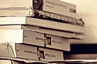 Bücherstapel - Bücherstapel, Bücher, Buch, Buchdarstellung, stapeln, lesen, Bücherei, Bibliothek, Einband, Bucheinband, Stapel, Schule, Leseförderung, Illustration, Literatur, Wissen, Wissenserwerb, Schriften, Schrift, Druck, geschrieben, Schreibanlass, Lesestoff