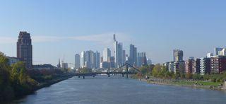 Skyline Frankfurt/Main - Skyline, Frankfurt/Main, Dom, Hochäuser, Bankenhochhäuser, Geldinstitute, Main, Brücke