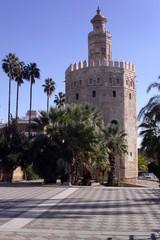 Goldturm – Torre del Oro in Sevilla - Turm, Bastion, Befestigung, Grundriss, Zwölfeck, Zinnen, Laterne, Architektur, Gefängnis
