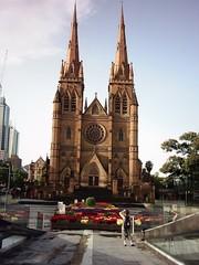 St Mary´s Cathedral - Australien, Sydney, Kirche, katholisch, gotisch, Gotik, symmetrisch, Symmetrie, Kathedrale, spitz, Fensterrose, Rosette