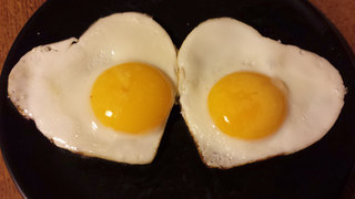 Spiegeleier #2 - Spiegeleier, Spiegelei, Setzei, Ei, Hühnerei, Stierenauge, Ochsenauge, Eiweiß, Eigelb, Eidotter, weiß, gelb, zwei, gebraten