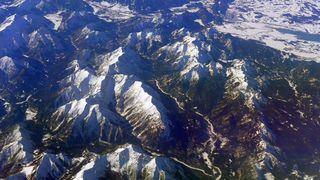 Schneebedeckte Alpen - Berg, Winter, Schnee, Alpen, Flug, Gipfel, Gebirge