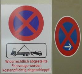 Hinweisschild Parkverbot - Hinweisschild, Parkverbot, kostenpflichtig, Verkehr, Verkehrsschild, Verkehrszeichen, Straßenverkehrsordnung, Regelung