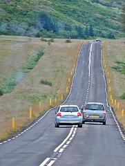 überholen - Verkehr, Straße, Auto, mehrspurig, zweispurig, Landstraße, Überlandfahrt, fahren, überholen, vorbeifahren, Fahrzeug, Fahrt, PKW, Straßenverkehr, Wortschatz, Verb, Überholung, Überholmanöver, Weg, Wege, Überholspur