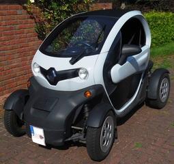 Elektromobilität: Twizy #1 - E-Mobil, elektrisch, Elektromobilität, Fahrzeug, Elektromotor, Elektroauto, Elektrizität, Mobilität, Strom, Akku, laden, Auto, Quad