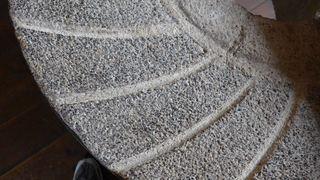 Mühlstein #3 - Mühle, Mühlstein, mahlen, rund, Stein, Getreide, Windmühle, Müller, Kreis, Zylinder, Kreisring, Masse, Dichte, Physik