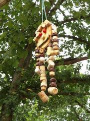 Fantasiegestalten im Baum #1 - Objektkunst, Baum, Fantasiegestalten, Korken, Holz