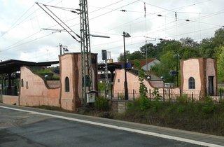 Hundertwasser-Bahnhof Uelzen # 2 - Bahnhof, Gebäude, Kunst, Künstler, Friedensreich, Hundertwasser, Architektur