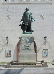 Paul Gerhardt (1607-1676) - Statue in Lübben - Paul Gerhardt, Statue, Skulptur, Kirche Religion, Kirchenlied, Musiker, Musik, Dichter, Lyriker, Luther, Reformation