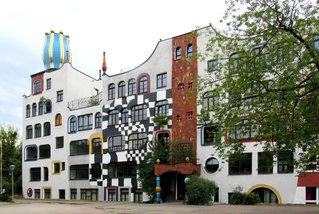 Luther-Melanchton-Gymnasium Wittenberg - Hundertwasserschule # 5 - Schule, Gebäude, Hundertwasser, Hundertwasserschule, Europaschule, Wittenberg, Baummieter