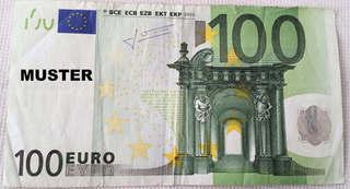 100 Euroschein  - Geld, Münzen, Münze, Scheine, Schein, Geldschein, Zahlen, bezahlen, Euro, Summe, Wechselgeld, wechseln, Währung, Daf