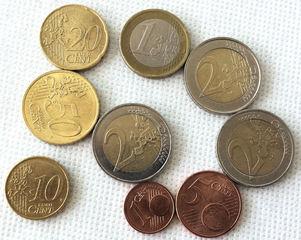 Euro 7,86 - Geld, Münzen, Münze, Scheine, Schein, Geldschein, Zahlen, bezahlen, Euro, Summe, Wechselgeld, wechseln, Währung, Daf