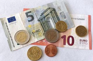 Euro 19,95 - Geld, Münzen, Münze, Scheine, Schein, Geldschein, Zahlen, bezahlen, Euro, Summe, Wechselgeld, wechseln, Währung, Daf