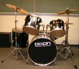 Drum Set von vorne - Drum Set, Schlagzeug, Percussion