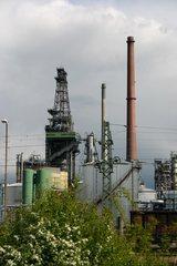 Industrieanlage - Indistrieanlage, Schornstein, Fabrik, Umwelt, Wirtschaft, Produktion, Weiterverarbeitung, Güter, Waren, Produkte