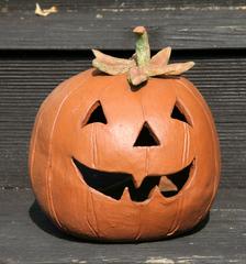 Kürbiskopf - aus Ton gefertigt - Kürbis, Kunst, Tonarbeit, Halloween, hohl, aushöhlen