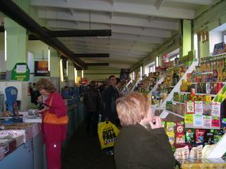Russischer Markt - Markt, Russland, russisch, Pskov, Alltag, Russen, einkaufen, Laden, Einkauf, Lebensmittel