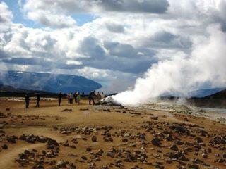 Geothermalgebiet - Island  - Geothermalgebiet, geothermal, Quellen, schwefelhaltig, Solfataren, Fumarolen, Schlammtöpfe, Dampfquellen, endogene Kräfte, Plattentektonik, Tundra, Island
