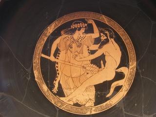 Mänade wehrt sich gegen zudringlichen Satyr - Satyr, Mänade, Thyrosstab, Antike, Griechenland, Dionysos, Mythologie, Griechen