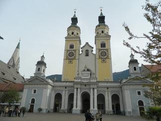 Dom Brixen - Südtirol, Brixen, Dom, Domplatz, Bischof, Sakralbau, Bischofskirche, Kirchengebäude, Baudenkmal, Barocke Kirche, Kathedrale, römisch-katholisch