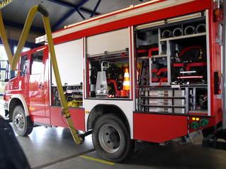 Feuerwehr-Gerätewagen - Feuerwehr, löschen, Brand, Wasser, Schlauch, helfen, 112, Fuhrpark, Notruf, Einsatz, Einsatzfahrzeug, Rüstlöschfahrzeug