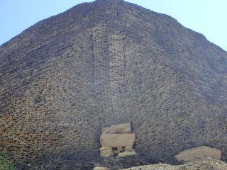 Pyramide von Illahun - Pyramide, Sesostris II., Ziegelbauweise, Steinraub, Illahun, Ägypten, Grabstätte, Totenkultur, Sakralarchitektur, Bauwerk