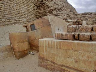 Geheimkammer der Stufenpyramide von Sakkara - Serdab, Djoser, Sakkara, Stufenpyramide, Altes Reich, Ägypten, Grabstätte, Totenkultur, Sakralarchitektur, Bauwerk