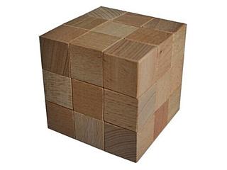 Soma-Würfel - Geduldspiel, Würfel, regelmäßiges Hexaeder, zählen, Spiele, spielen, Wahrscheinlichkeit, Kubus, Körper, geometrisch, Seiten, Kanten, Ecken, Quadrate, Illustration, rechnen, gestalten, bauen, Holz, Oberfläche, Volumen, Mathematik