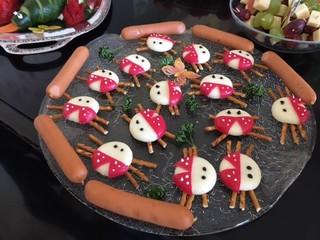 Käse-Marienkäfer - Käse, Buffet, essen, Marienkäfer, Frühstück, anrichten, dekorieren