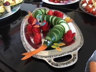 Gurkenschlange - Gurke, dekorieren, gesund, essen, Frühstück, anrichten