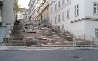 Goldene Regel der Mechanik - Stiege, Treppe, Rampe, Physik, Kraft, Weg, Stufen, bergauf, steil, beschwerlich, kraftsparend, Energie