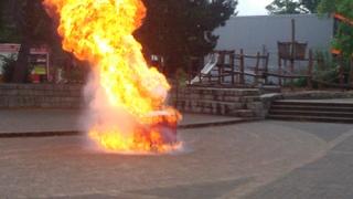 Fettexplosion#2  - Feuer, Explosion, Fettexplosion, Feuerwehr, Brandschutz, Gefahr, Brand, Chemie, Sicherheit, Verbrennung, Oxidation
